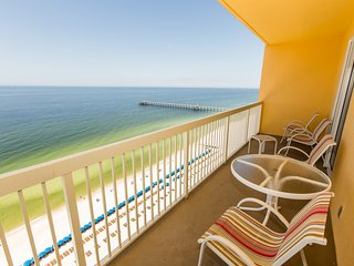 19th floor condo w/ pool and beach access; walking distance to Pier Park