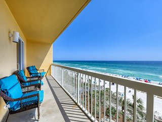 Family-friendly, waterfront condo w/ shared pool, gym, beach access, & Tiki bar