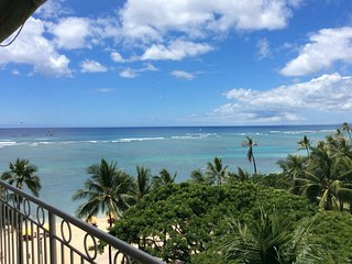 Beachfront Oceanview Kitchen Lanai Sleeps 4
