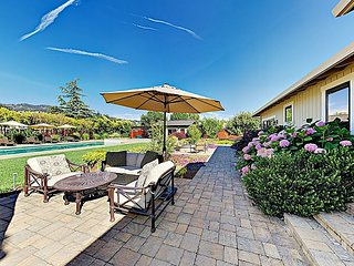 Poolside 3BR/4.5BA in Wine Country w/ Spa, Fitness Cabana & Bocce Court