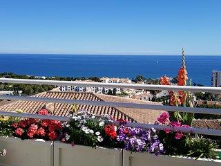 Riviera del Sol, Panoramic Sea View Corner Garden Apt. Walking Distance Beach