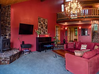 Valley View House~Short Drive to Medford/Ashland