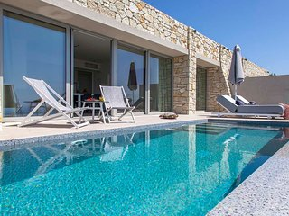 EARLY OFFER: TWO BEDROOM SIVOTA SUNSET VILLA7, WITH INFINITY POOL IN SIVOTA