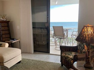 Simply Stunning! Upgraded Beachfront Condo Close to Shops, Restaurants & Activit
