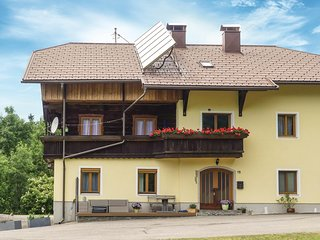 Amazing apartment in Fresach w/ WiFi and 4 Bedrooms (AKA209)