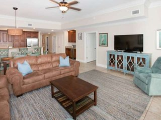 Gulf-front with 60' TV, In/Out/Zero entry pools, Water slide, Hot tub, Sauna, Fi