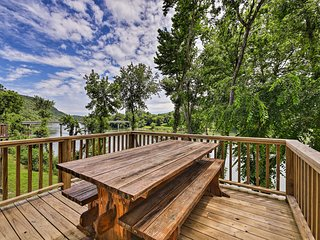 NEW-White River Cabin w/Resort Pool & Boat Rentals