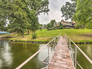 NEW! Lakefront Hot Springs Home w/Hot Tub & Dock!