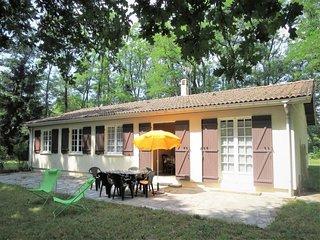 3 bedroom Villa with Walk to Shops - 5650351