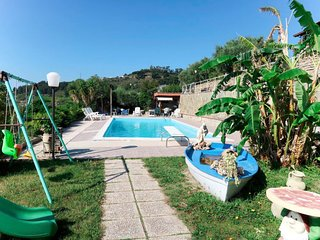 Pompeiana Apartment Sleeps 4 with Pool Air Con and Free WiFi - 5808804