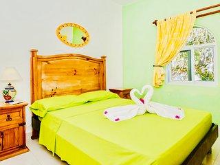 Poblado de Apoyo Diamont Holiday Home Sleeps 5 with Pool Air Con and WiFi