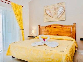 Poblado de Apoyo Diamont Holiday Home Sleeps 3 with Pool Air Con and WiFi
