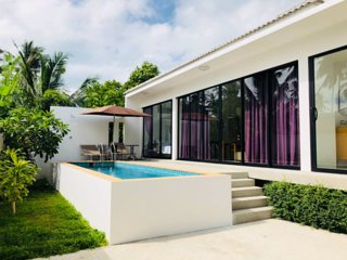 2 Bedroom Villa Tan - short walk to beach