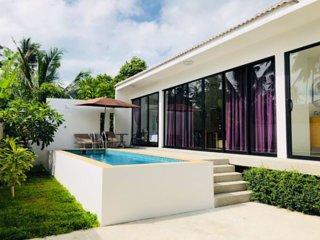 2 Bedroom Villa Tan - short walk to beach