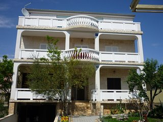 Two bedroom apartment Vrsi - Mulo, Zadar (A-17753-a)