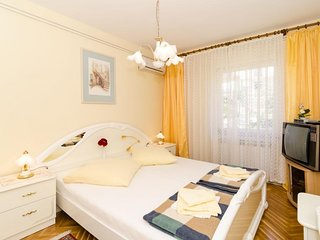 Guest House Rozic - Two-Bedroom Apartment with Sea View -1