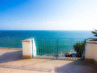 Villa in spiaggia 5 camere da letto, giardino, wi fi