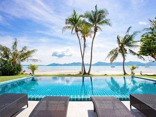 Private Beach Holiday Pool Villa, 4BR, Panwa