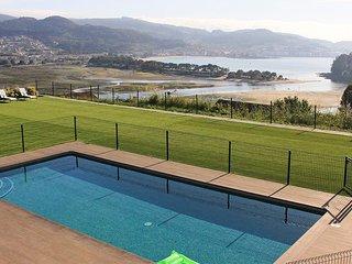 Ramallosa Villa Sleeps 11 with Pool - 5809342