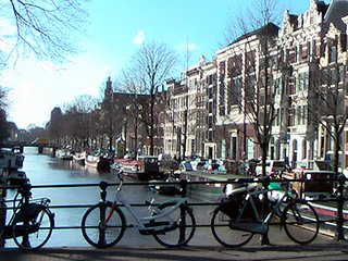 MARVELLOUS VIEWS OF THE EMPEROR CANAL~CLOSE TO JORDAAN & DAM SQUARE
