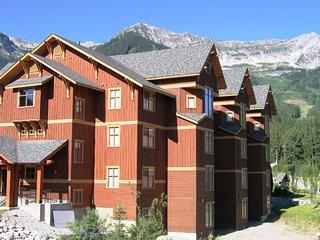 Timberline Lodges - 540 Balsam