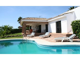 Calahonda, Wonderful Villa with Panoramic Sea View & Walking distance to beach