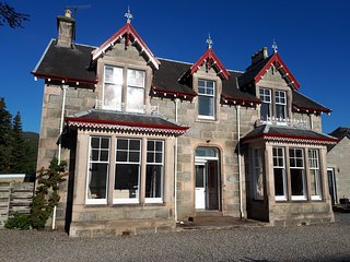 The Shelter Stone - large self catering house in central Aviemore