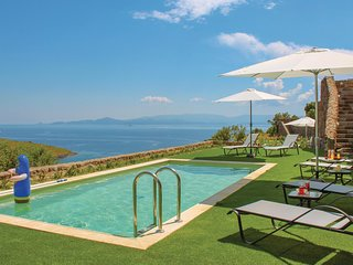 Beautiful home in Aigina Saronic Island w/ Outdoor swimming pool, WiFi and Outdo
