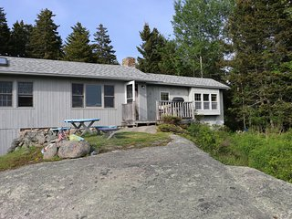 Lovely Home with Spectacular Views of Penobscot Bay & Free Internet