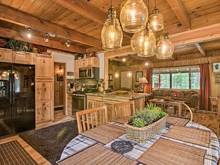 NEW! South Lake Tahoe Cabin w/Deck and Fire Pit