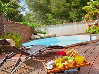 Villa 90 m² au calme avec Piscine et Jardin Privé. Plage et Centre ville à 800 m