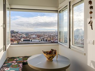 4BDR flat w/ unobstructed city views by ONDJO