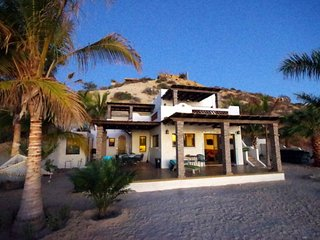 ☀️Beachfront Home w/guest house-Gated 5BD/5BA-Awesome sandy beach-From $125/