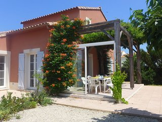 3 bedroom Villa with Pool, WiFi and Walk to Beach & Shops - 5700034