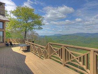 Luxury home on Summit Peak at the exclusive Elk River Club!