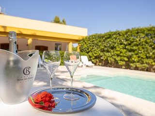 2 bedroom Villa with Pool and Air Con - 5809286