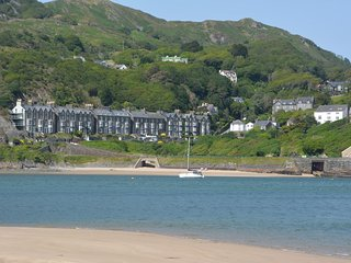 75387 Apartment situated in Barmouth