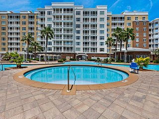 Luxurious bayfront condo in a gated resort with an amazing pool & hot tub!