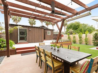Modern home w/ gorgeous outdoor space & gas grill - walk to beach & attractions