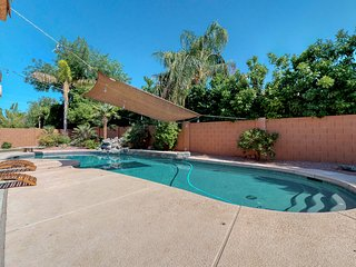 Large family home in Chandler with large diving pool, grill & Foosball table!
