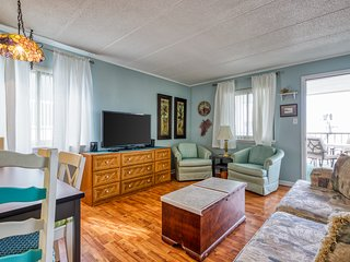 Dog-friendly, ocean-block condo w/ furnished balcony - just steps from the beach