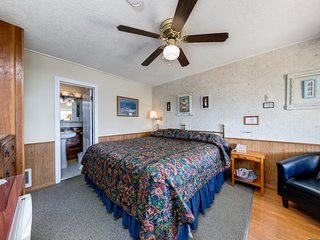 NEW LISTING! Cozy motel studio in quiet setting w/ ocean views - walk into town!