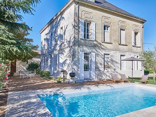 New: Luxurious Wine Estate Saint-Emilion Grand Cru with swimming pool