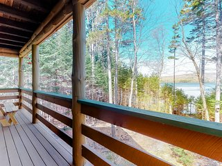 Lakefront home w/ pristine views! Outdoor firepit and full kitchen!