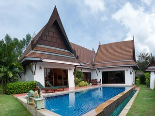 Pool Thai Villa