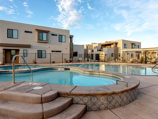 Town Center 2333 Passport Collection 6 Bedroom