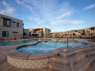 Elite Retreat - close to pool and pickleball courts - 2302