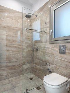 En -suite bathroom
