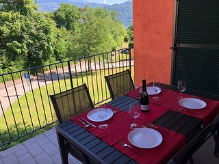 Giorgina apartment near the center of Baveno with terrace