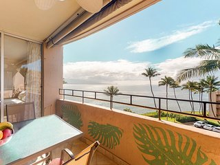 Top floor ocean front condo with sweeping ocean views, lanai, partial A/C